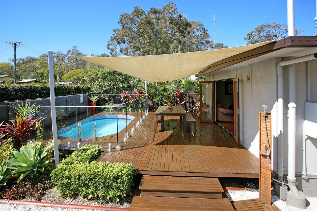Beach House on Jones Parade Central Coolum Beach - Accommodation Whitsundays
