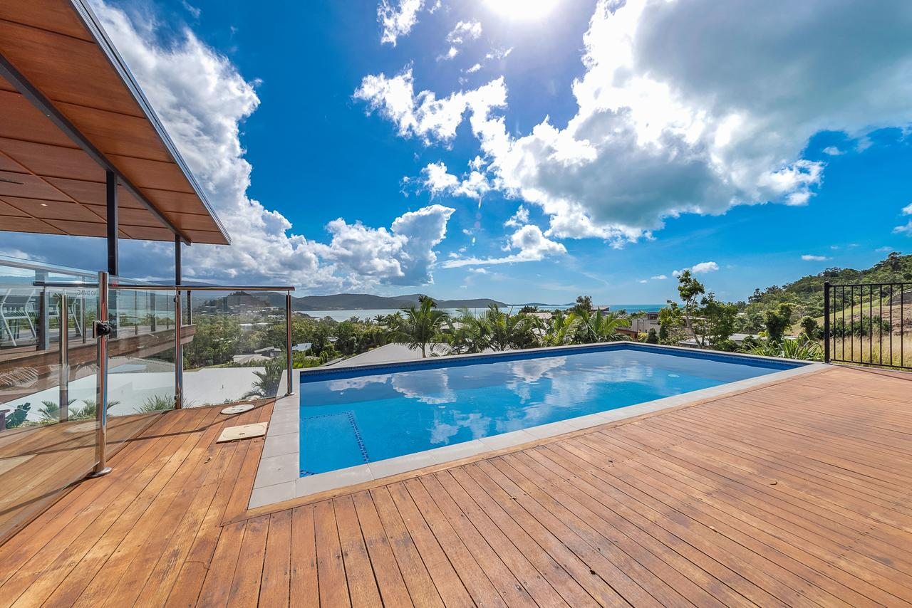 Viewpoint Holiday Home - Cannonvale - Accommodation Whitsundays