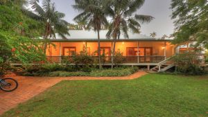 Beachcomber Lodge - Accommodation Whitsundays