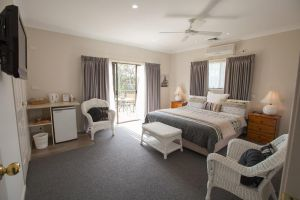 Batemans Bay Manor - Bed and Breakfast - Accommodation Whitsundays