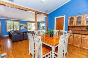 Best Central House - SLEEPS 11  - Accommodation Whitsundays